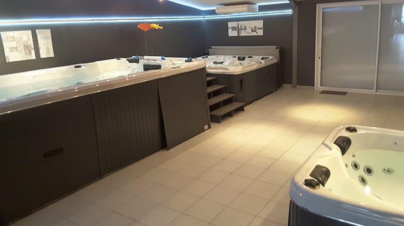 passion spas brive spas spas de nage sauna. Black Bedroom Furniture Sets. Home Design Ideas